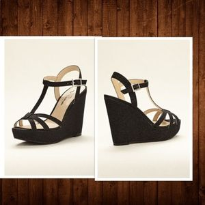 NEW Touch of Nina Black Sparkle Sandal Wedge SZ 7M